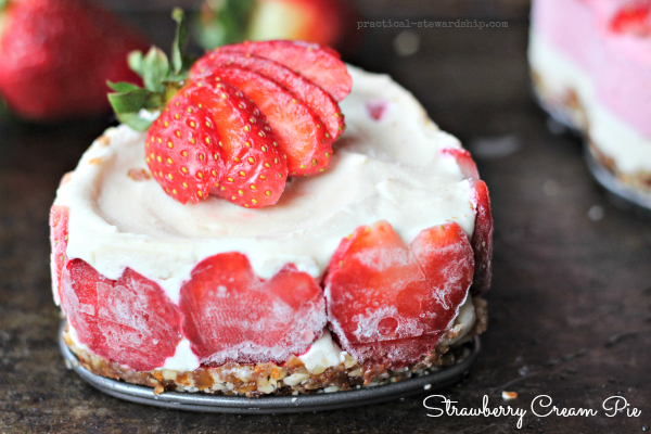Strawberry Cream Pie Side