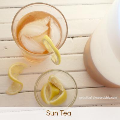 Sun Tea with Lemons