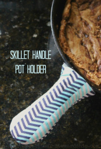SKILLET HANDLE POT HOLDER