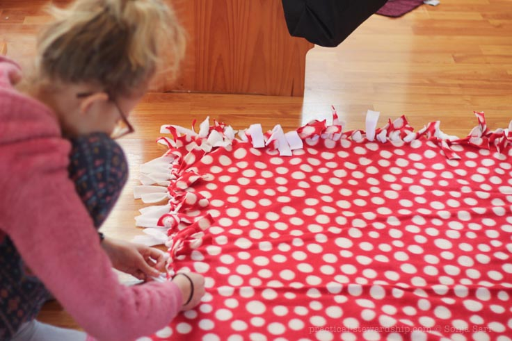 DIY No-Sew Fleece Blanket - Practical Stewardship